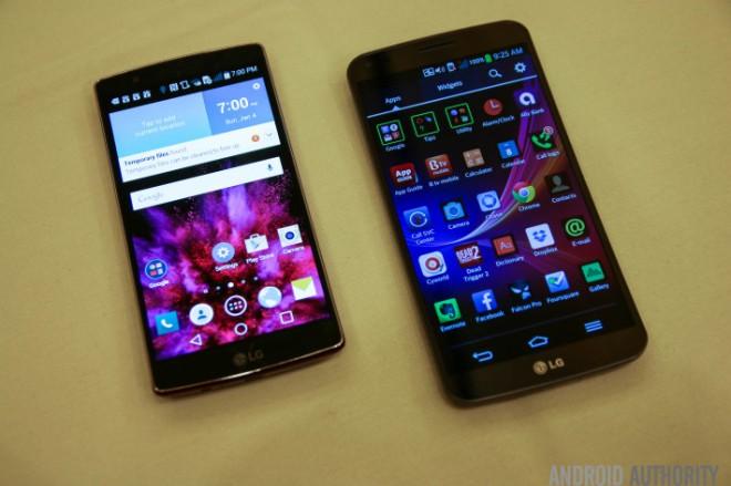 LG G Flex 2 (kiri) vs LG G Flex (kanan)